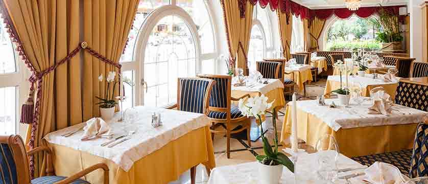 italy_dolomites_selva_hotel-oswald_dining-room.jpg